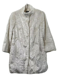 W by Worth Women's Coat White Faux Fur Snap Up Size S