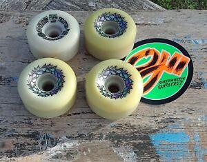 Vintage Santa Cruz STREET RAZOR skateboard Wheels Nos Deadstock 80s 63mm 95A