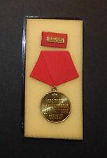 DDR medaglia al Pentagono nastro SPANGE