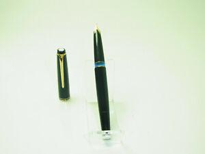 Excellent 1960´s German MONTBLANC No 22 Pistonfiller Fountain Pen 14ct M Nib