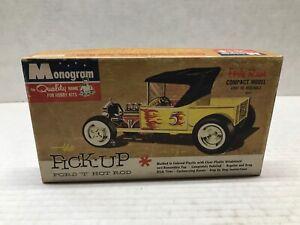 VINTAGE ORIGINAL MONOGRAM 1/32 SCALE 1961 ISSUE FORD 'T' HOT ROD PICKUP KIT