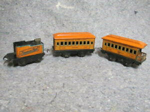 Vintage 1920's PreWar American Flyer Tin Type Train Set with Oval Track, O scale