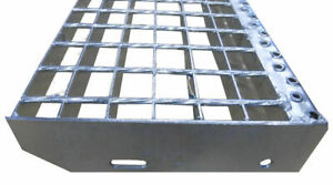 Treppenstufe Metalltreppe Gitterroststufen feuerverzinkt Tiefe 24cm Breite 80cm