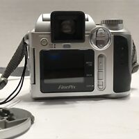 VINTAGE FUJIFILM S3000 FinePix DIGITAL CAMERA