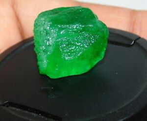 Natural 20.00 Ct Colombian Green Emerald Rough Loose Gemstone B 6031