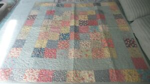 """PATCHWORK Wall, Lap QUILT Contemporary, Hand-Made,Pastel Floral, 46""""x46"""""""