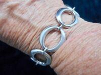 Authentic Vintage 1950's Crown Trifari Oval Link Silver Tone Chain Bracelet