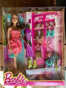 Barbie - Doll with Shoes and Accessories - BNIB