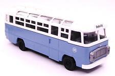H0 Bus Reisebus IKARUS 311 Deutsche Reichsbahn DR Zielort Sebnitz DDR hellblau