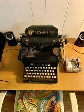 1926 LC Smith & Bros No.8 Typewriter