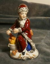Figurine Porcelaine allemande de Sitzendorf XIXe jeune homme au brasero