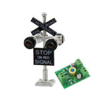 1 set N Scale Crossing Railroad Signal 4 heads LED made + Circuit board flasher