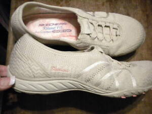 Skechers Women's Relaxed Fit Memory Foam Air Cooled Slip-On Shoes Size 7.5 EUC
