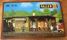FALLER B-91 HO Scale Wayside Stop/ Station With Clock