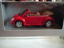 Maisto VW VOlkswagen New Beetle Cabriolet in Red on 1:24 in Box