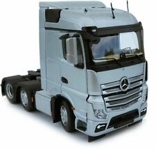 MARGE MODELS - 1908-03 MERCEDES-BENZ ACTROS STREAMSPACE 6X2 SILVER 1:32 SCALE