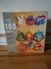 New listing Wilton's 100 Cookies Cutters