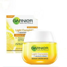 50g. GARNIER Light Complete Multi-Action Pure Lemon SPF30 Serum Cream