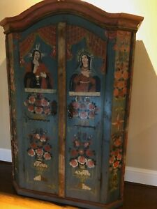Very rare Austrian hand painted armoire from the Altbachtal Valley
