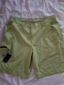 Columbia PFG Performance Fishing Gear Mens Shorts Zip Pocket  green size 36