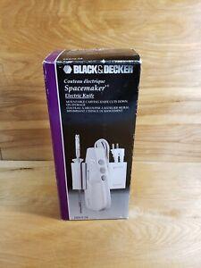 NEW!! BLACK & DECKER SPACEMAKER ELECTRIC KNIFE MODEL EK970 WALL MOUNT 2 BLADES