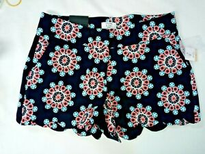 New Crown And ivy Women Scalloped Printed Shorts size 2 P Floral print Petite