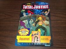 1996 KENNER TOTAL JUSTICE AQUAMAN ACTION FIGURE WITH BLASTING HYDRO SPEAR