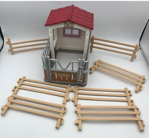 Schleich HORSE CLUB STALL w/Paddock Fencing Barn Shed Horse Accessories Set