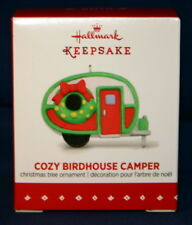 HALLMARK MINIATURE ORNAMENT 2015 COZY BIRDHOUSE CAMPER
