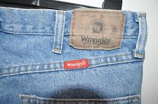 Vintage Wrangler regular fit  blue jeans size W 36 L 30 zip fly