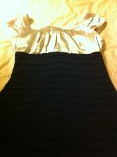 Yves Saint Laurent Beautiful Dress Size Med Figure Flattering