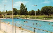 ODESSA, TX Texas FLOYD GWEN PARK & POOL Swimmers ROADSIDE c1950s Chrome Postcard