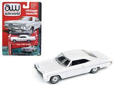 AUTO WORLD 1:64 1966 CHEVROLET IMPALA SS DIE-CAST CAR AW64072-A WHITE COLOR