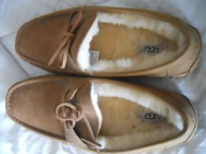 UGG MENS SLIPPERS   SIZE 10