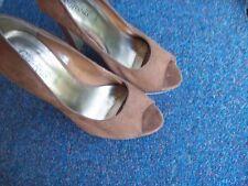 New Look High (3-4.5 in.) Faux Suede Slim Heels for Women