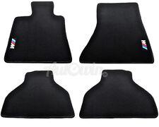 BMW X5 Serie E70 E70LCI 2007-2013 Schwarze Fußmatten Satz mit M Emblem LHD Seite