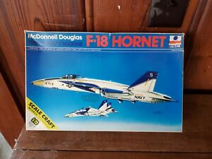 ESCI 1/72 F-18 HORNET COMPLETE WITH DECALS  AND INSTRUCTIONS