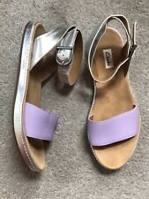 VGC Clarks Romantic Moon Silver and Lilac Purple Leather Flat Sandals UK 6.5