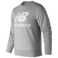New Balance Essentials Stacked Logo Crew Gris T61207/ Sudaderas  Gris , running