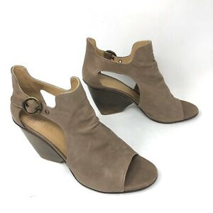COCLICO Womens Size 40 Leather Cutout Wood Heel Peep Toe Sandals in Vintage Tan