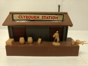 Vintage HO Scale Model Railroad Bachmann Plasticville Clybourn Station tr736