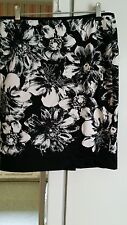 Lovely Ann Taylor floral petite style skirt (size 4p)