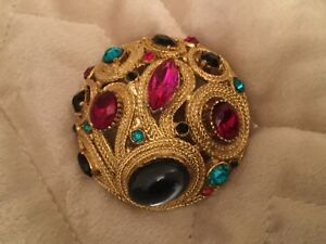cabochon stone brooch 1950's gold coloured