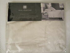 NEW HOTEL COLLECTIONB 600 THREAD COUNT JACQUARD QUEEN FLAT SHEET IVORY
