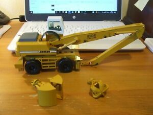 Conrad 2839 Liebherr A954 Litronic Wheeled Material Handler, 1:50, excellent
