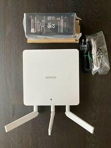 Sophos AP 100 Wireless Access Point A1CZTCHEU AP100 + POE injector