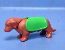 (B99.2) playmobil teckel marron avec manteau vert Ville 4279 3965 4343 5302