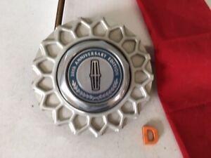 #D (1) 90-1997 LINCOLN CONTINENTAL TOWN CAR CENTER CAP  F0VC-1A096-AE 50th Anniv