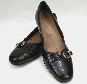 Clarks Artisan Caswell Genoa Brown Patent Croc Leather Slip On Heels Sz 9  MINT