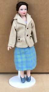 1:12 Scale Dianne A Lady In A Checked Skirt Tumdee Dolls House Miniature Doll U